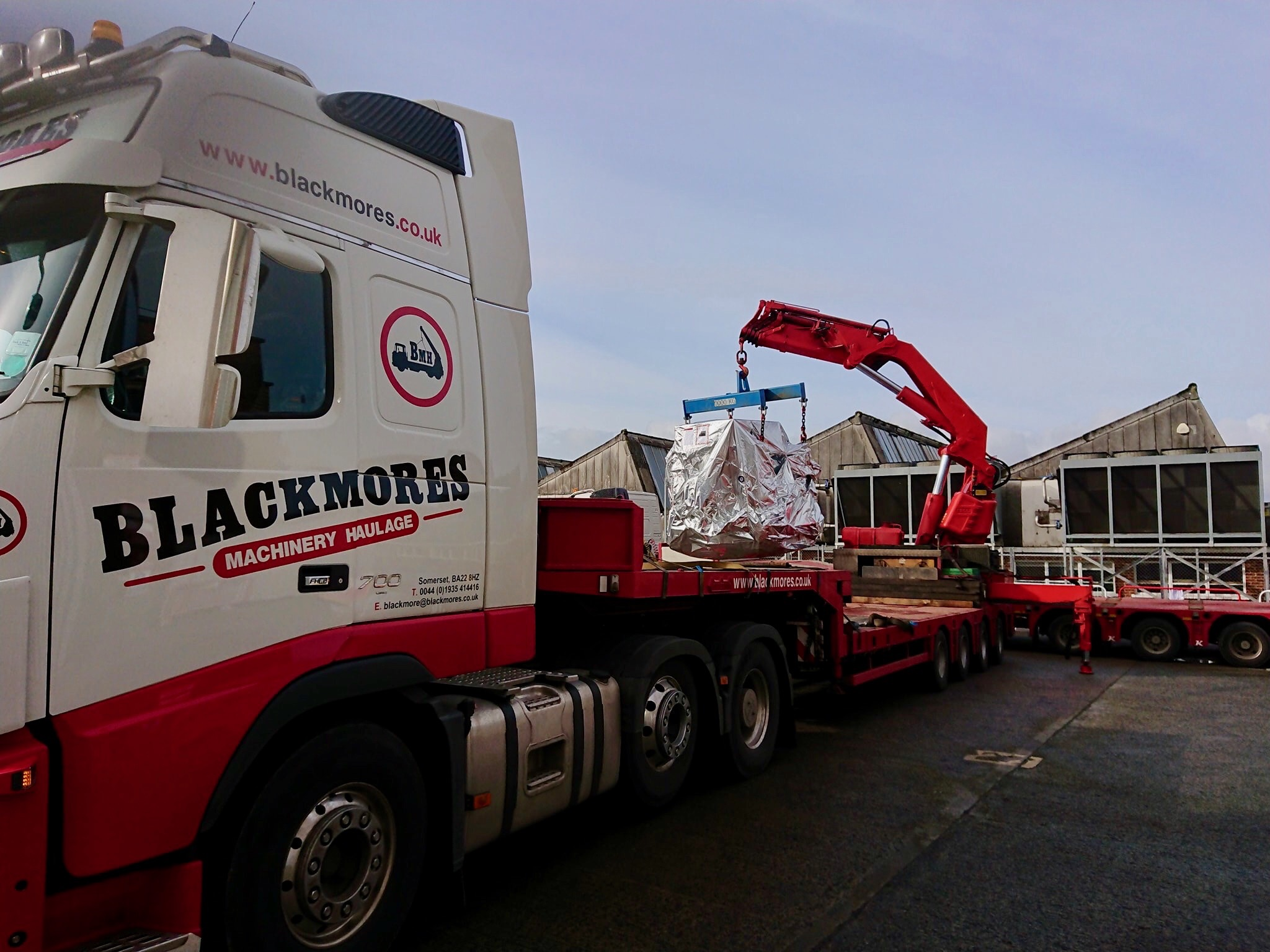 Blackmores - Heavy Load being lifted on to truck